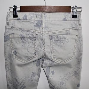 Free People Jeans - Free People Floral Print Jeans size 24